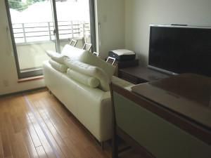 家具移動している部屋