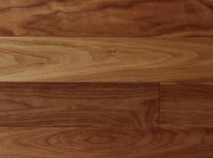 無垢床材ウレタン塗装仕上げ