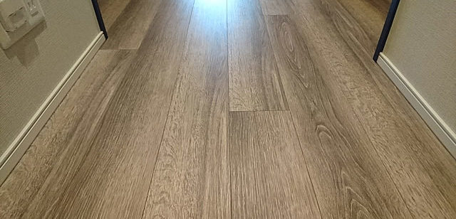 床コーティングした廊下