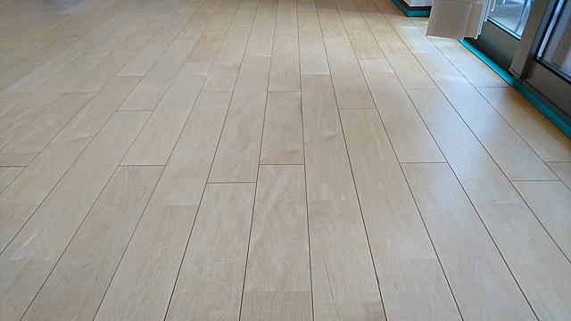 剥離後の床